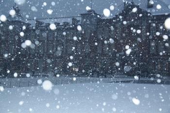 00008914_1 (002)雪の東京駅縮小.jpg